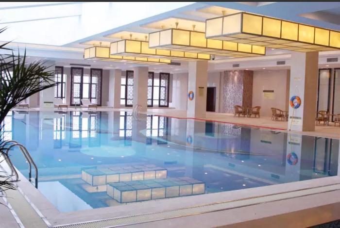 东邑酒店游泳馆009
